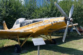 01 - Private IAR Industria Aeronautică Română 827
