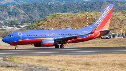 N7724A - Southwest Airlines Boeing 737-700