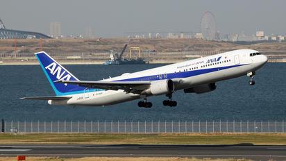 JA610A - ANA - All Nippon Airways Boeing 777-300ER