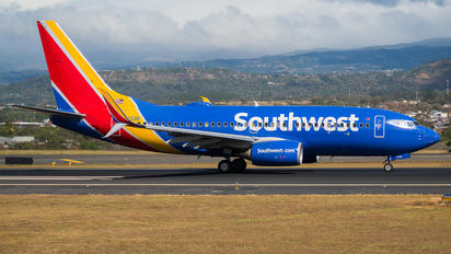 N7733B - Southwest Airlines Boeing 737-700