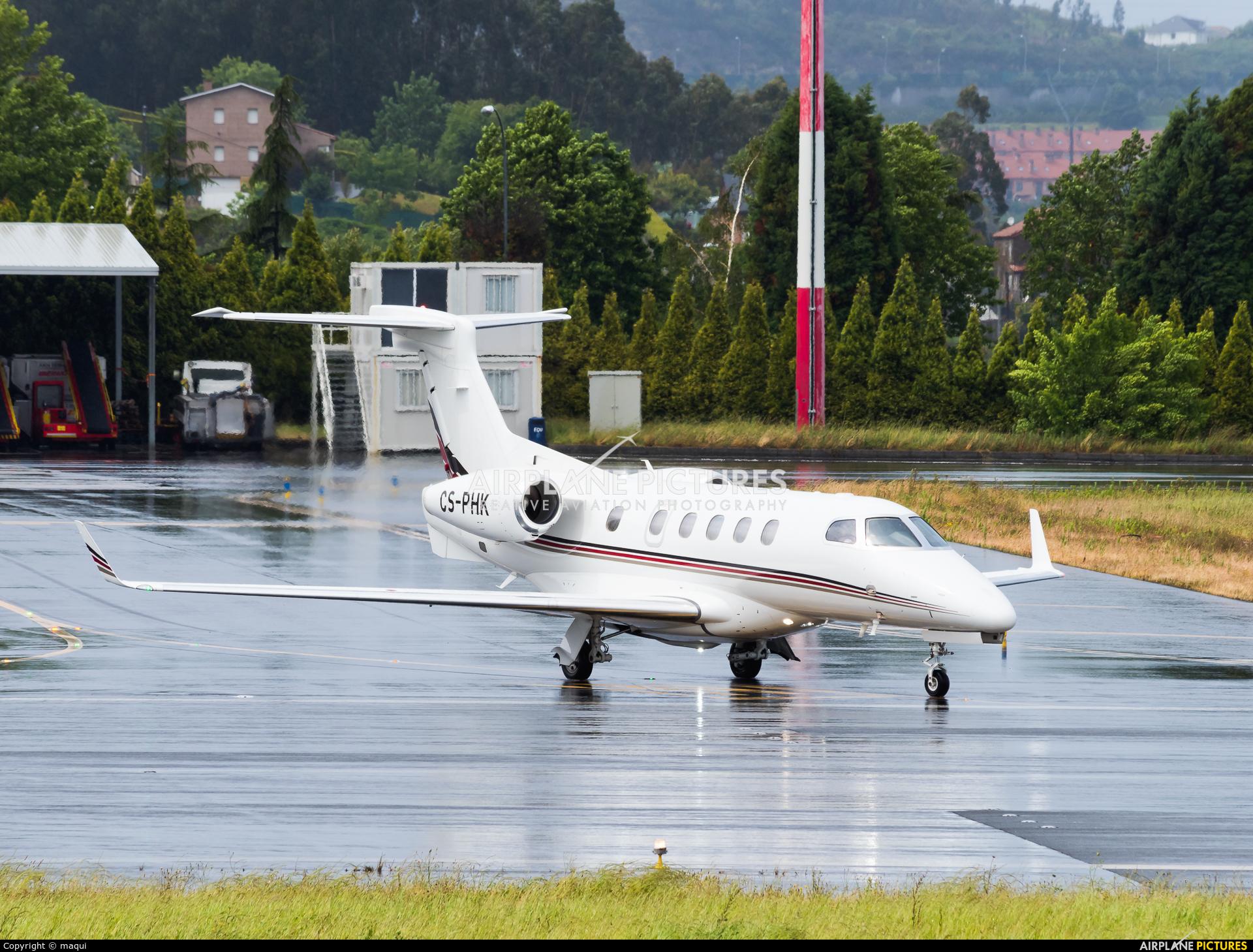 NetJets Europe (Portugal) CS-PHK aircraft at La Coruña
