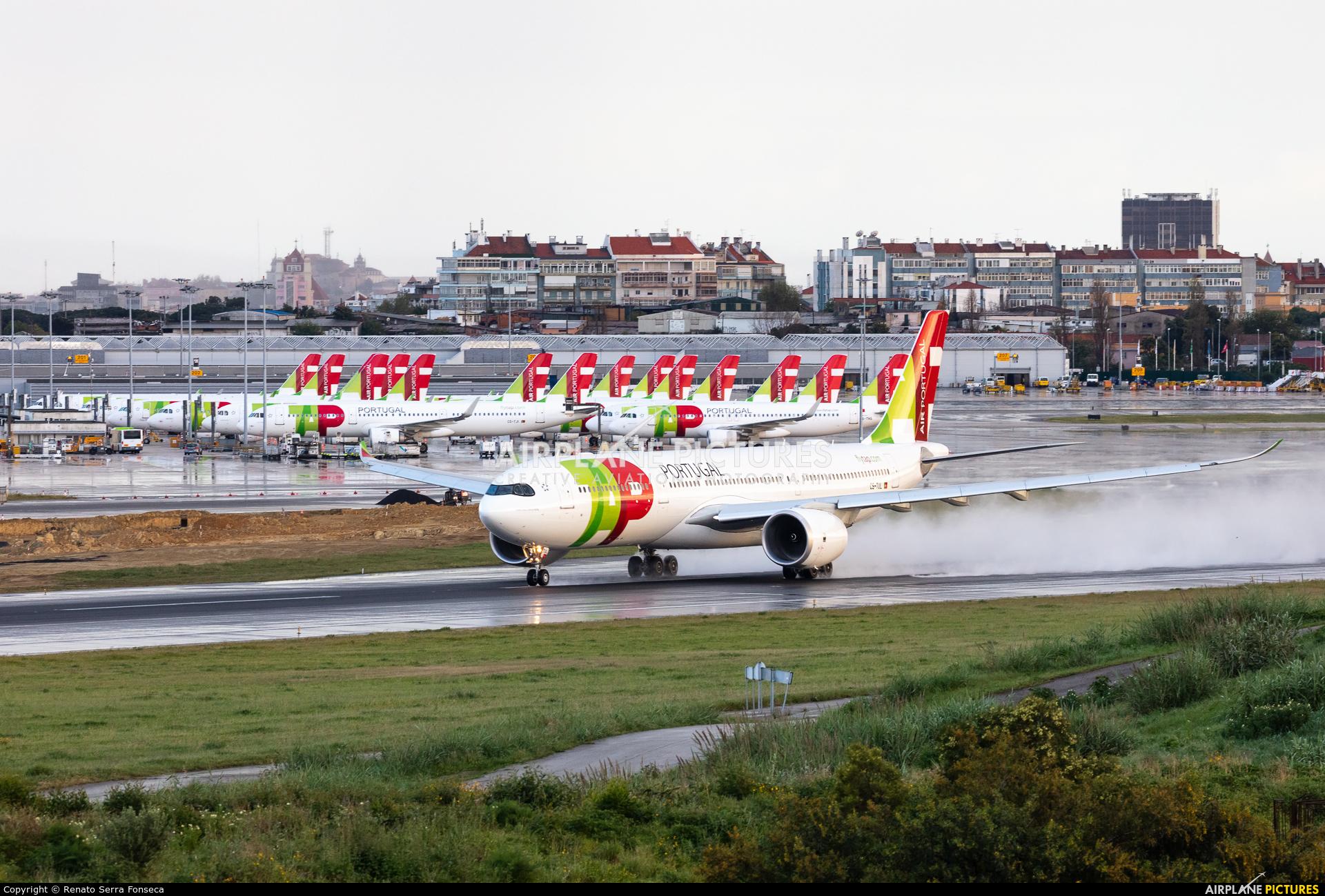 TAP Portugal CS-TUL aircraft at Lisbon