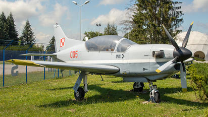 005 - Poland - Air Force PZL 130 Orlik TC-1 / 2