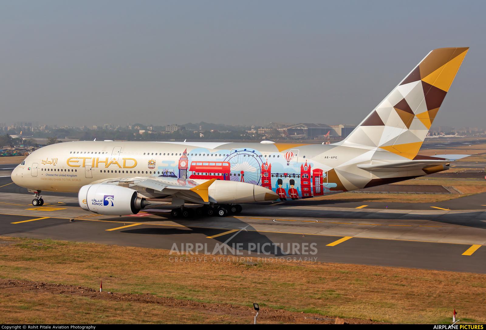 Etihad Airways A6-APE aircraft at Mumbai - Chhatrapati Shivaji Intl