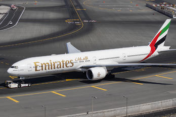 A6-EQM - Emirates Airlines Boeing 777-31H(ER)