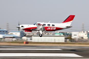 JA121B - Private Piper PA-46-500TP Meridian M600