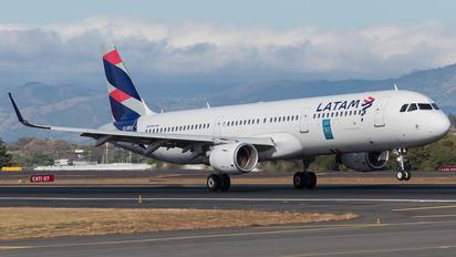 CC-BEQ - LATAM Airbus A321