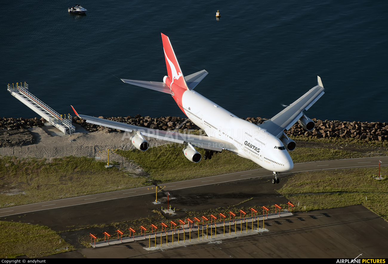 QANTAS VH-OJI aircraft at Sydney - Kingsford Smith Intl, NSW