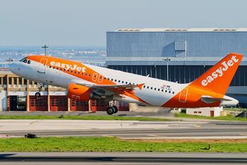 OE-LQJ - easyJet Europe Airbus A319