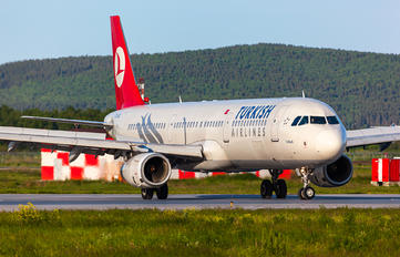 TC-JRL - Turkish Airlines Airbus A321