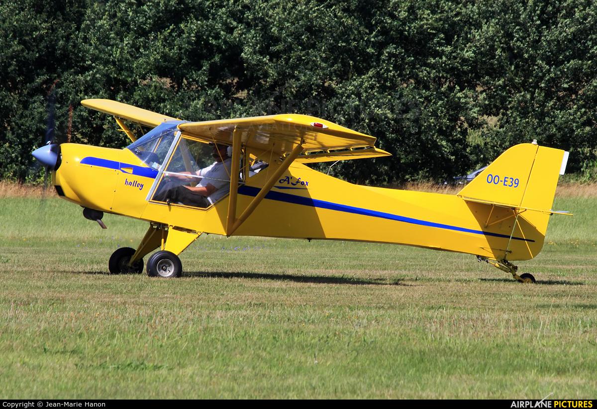 Private OO-E39 aircraft at Diest Schaffen