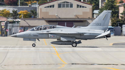14-013 - Korea (South) - Air Force Korean Aerospace T-50 Golden Eagle
