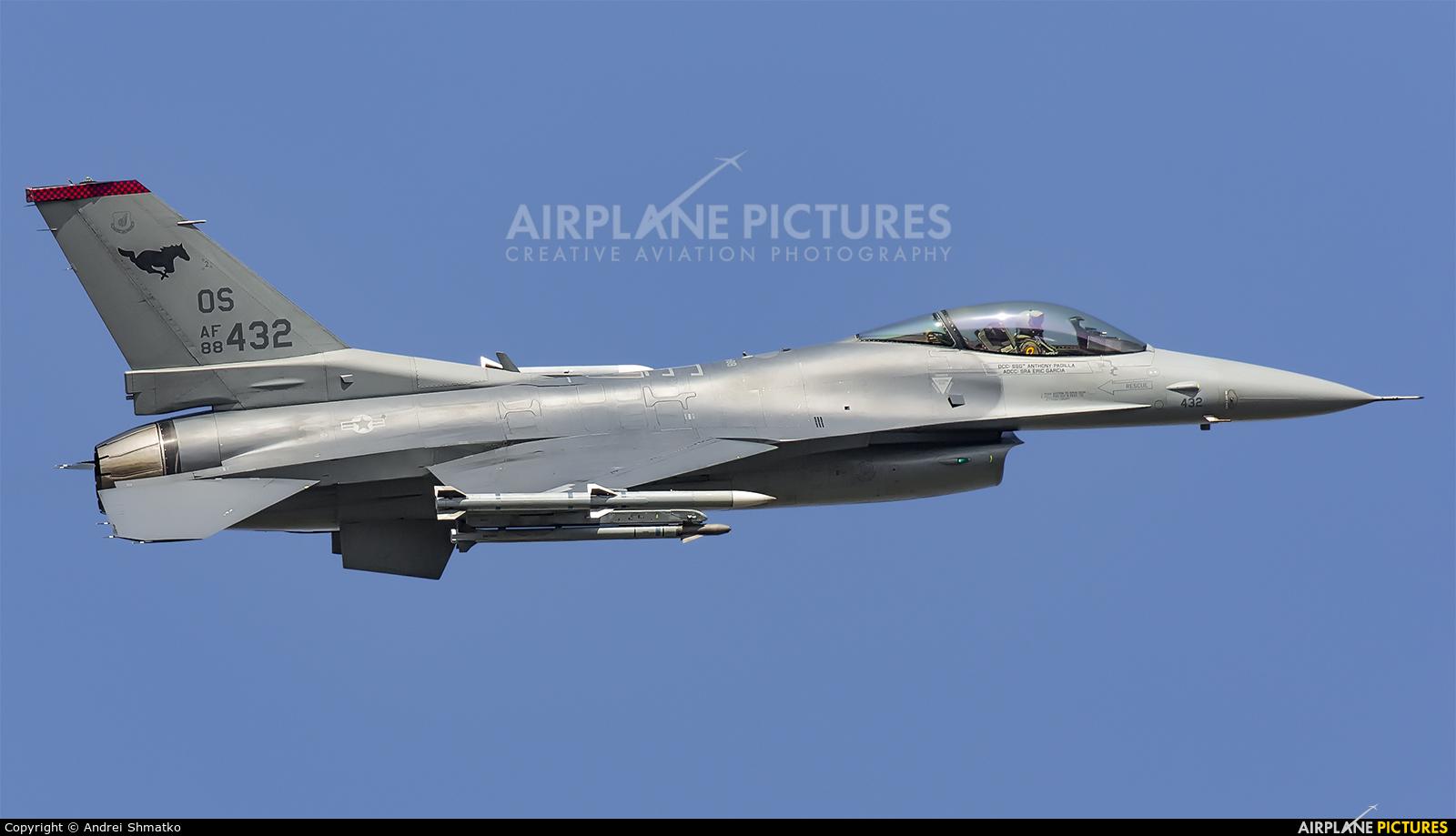 USA - Air Force 88-0432 aircraft at Osan AB