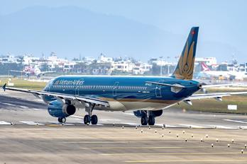 VN-A323 - Vietnam Airlines Airbus A321