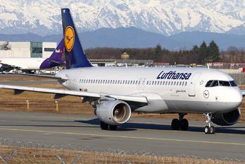 D-AIWB - Lufthansa Airbus A320