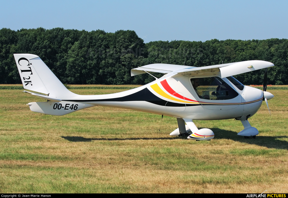 Private OO-E46 aircraft at Diest Schaffen