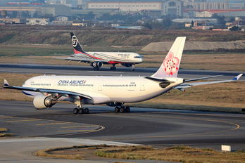 B-18306 - China Airlines Airbus A330-300