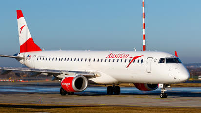 OE-LWP - Austrian Airlines/Arrows/Tyrolean Embraer ERJ-195 (190-200)