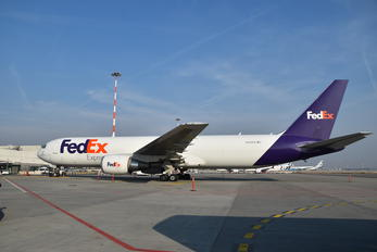 N110FE - FedEx Federal Express Boeing 767-300F