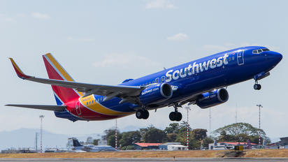 N8525S - Southwest Airlines Boeing 737-800