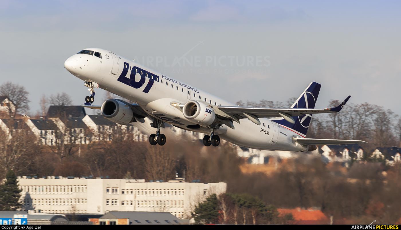 LOT - Polish Airlines SP-LNL aircraft at Kraków - John Paul II Intl