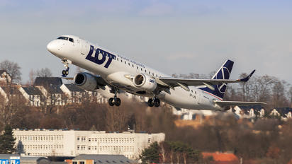 SP-LNL - LOT - Polish Airlines Embraer ERJ-195 (190-200)
