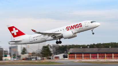 HB-JBI - Swiss Bombardier CS100