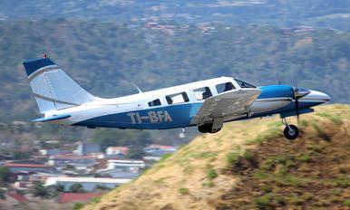 TI-BFA - Private Piper PA-34 Seneca