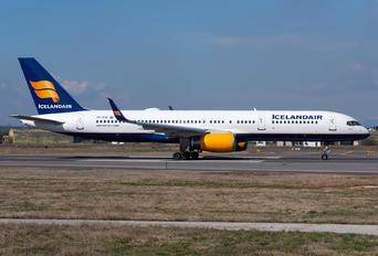 TF-FIO - Icelandair Boeing 757-200