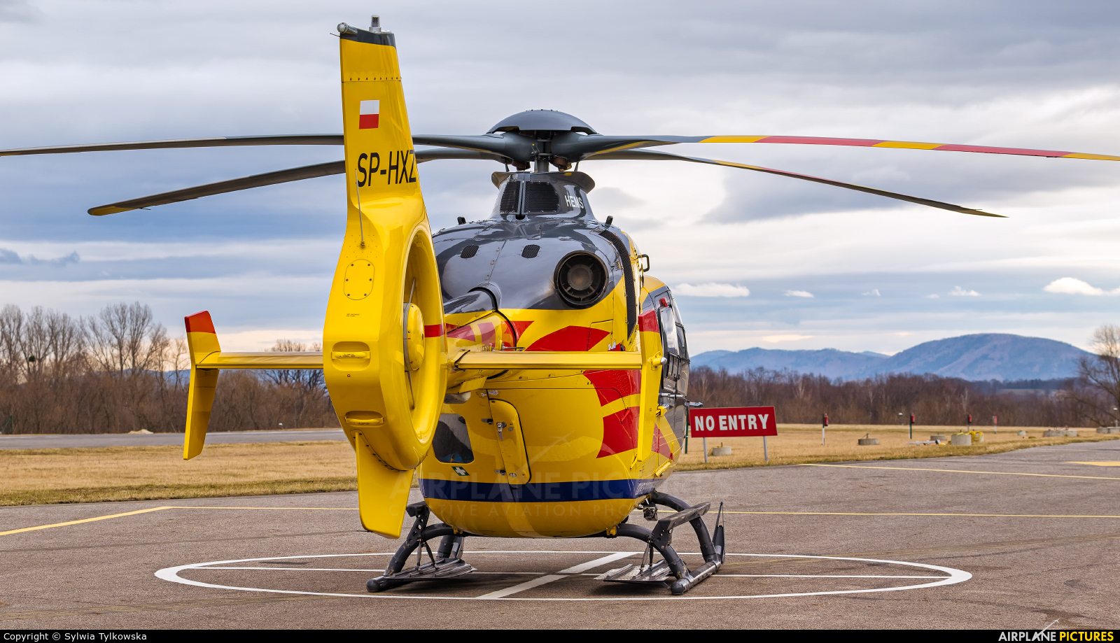 Polish Medical Air Rescue - Lotnicze Pogotowie Ratunkowe SP-HXZ aircraft at Kaniów