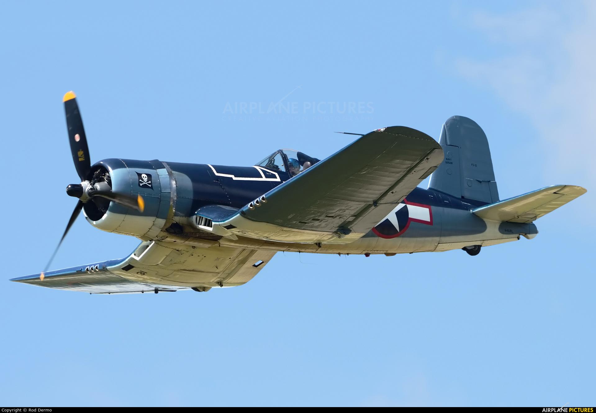 Private N46RL aircraft at Detroit - Willow Run