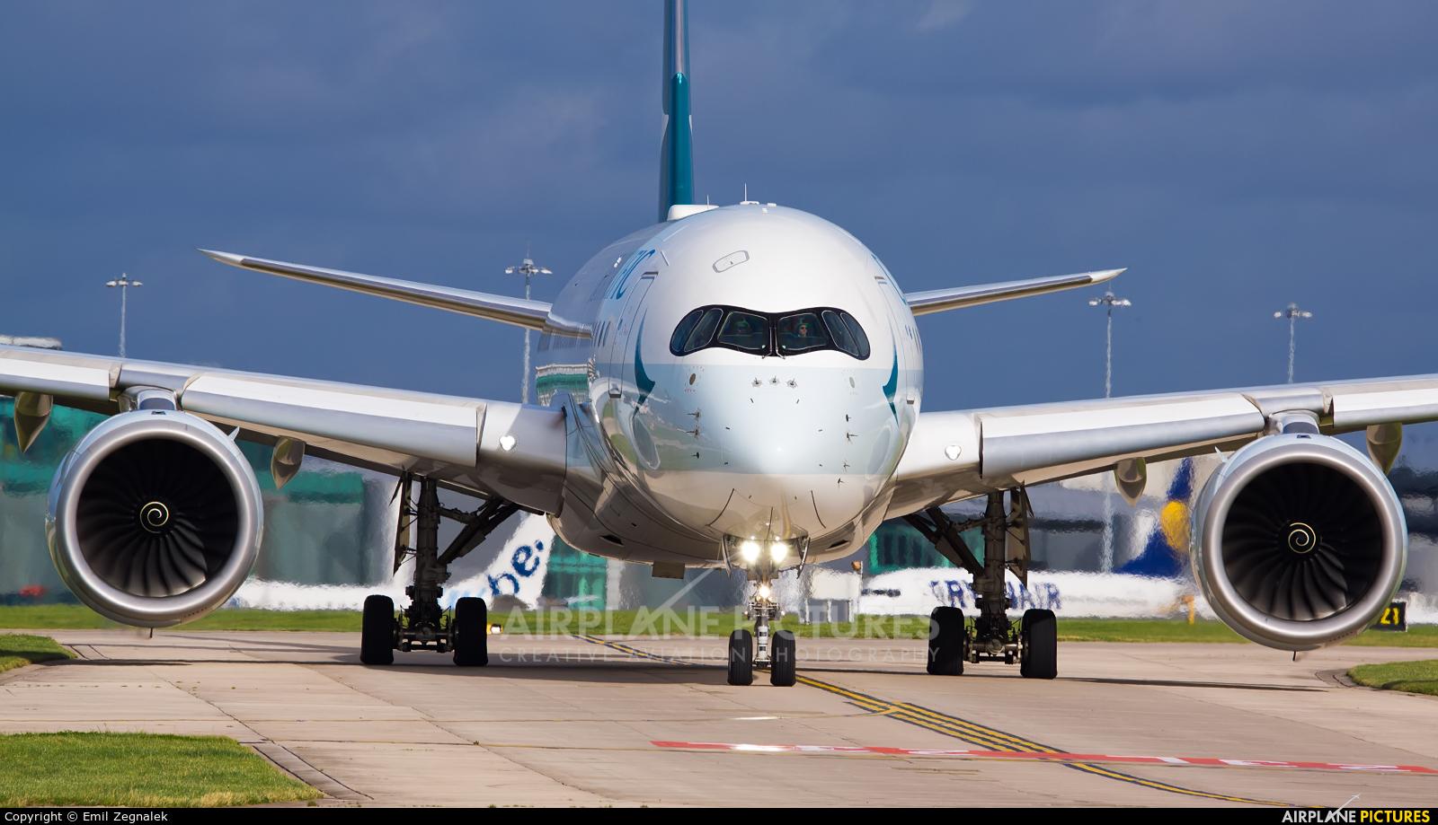Cathay Pacific B-LRA aircraft at Manchester