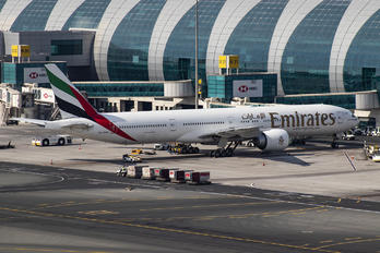 A6-EBY - Emirates Airlines Boeing 777-300ER