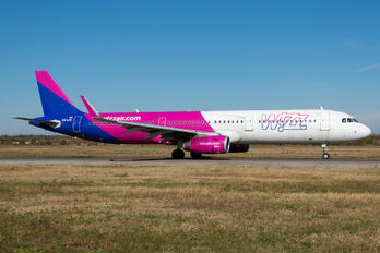HA-LXC - Wizz Air Airbus A321