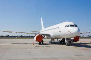 LY-VEN - Thomas Cook Airbus A320