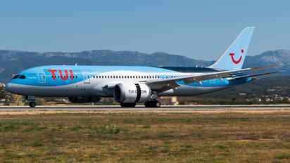 G-TUIC - TUI Airways Boeing 787-8 Dreamliner