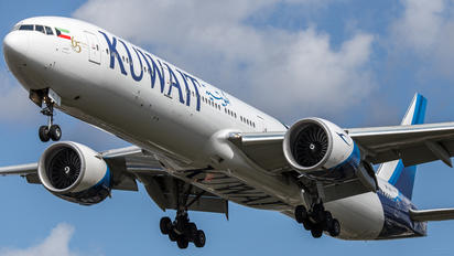 9K-AOI - Kuwait Airways Boeing 777-300ER