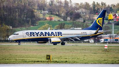 SP-RKA - Ryanair Sun Boeing 737-800