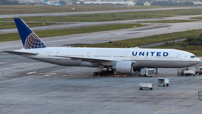 N78005 - United Airlines Boeing 777-200ER