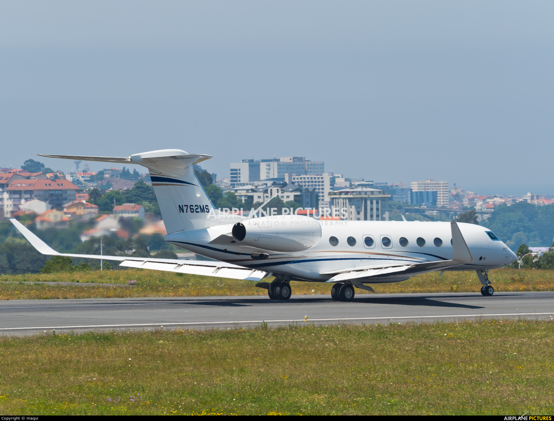 Private N762MS aircraft at La Coruña
