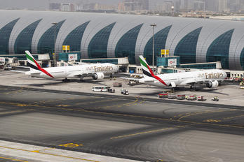 - - Emirates Airlines - Airport Overview - Aircraft Detail