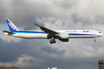 JA780A - ANA - All Nippon Airways Boeing 777-300