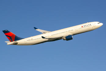 N808NW - Delta Air Lines Airbus A330-200
