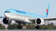 HL8210 - Korean Air Boeing 777-300ER aircraft