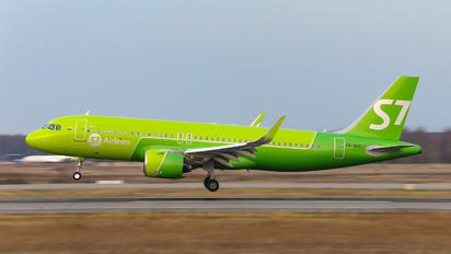 VQ-BSC - S7 Airlines Airbus A320 NEO