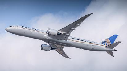 N12004 - United Airlines Boeing 787-10 Dreamliner