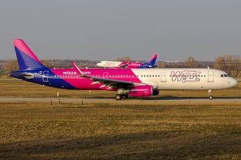 HA-LTF - Wizz Air Airbus A321