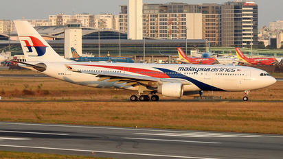 9M-MTW - Malaysia Airlines Airbus A330-200