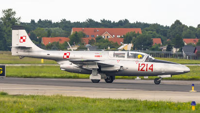 SP-YBC - Fundacja Biało-Czerwone Skrzydła PZL TS-11 Iskra