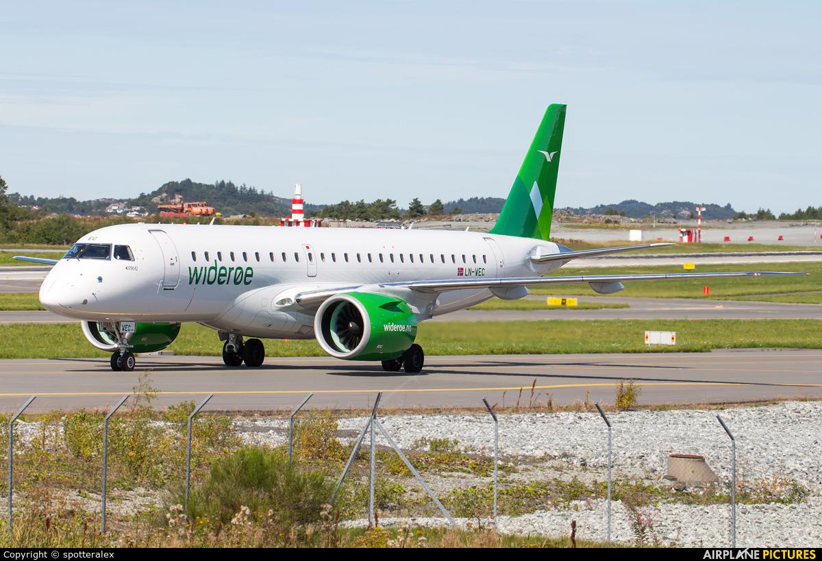 Widerøe LN-WEC aircraft at Bergen - Flesland